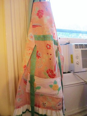 Giveaway: Reclaimed Fabric Aprons by Mrs. Cochran Designs