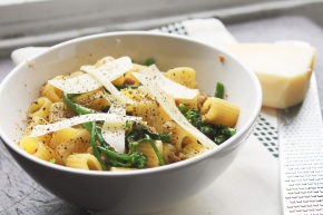 Cook: Parmigiano e Pepe with Sausage and Broccolini