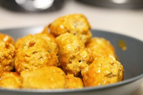 Cook: Baked Buffalo Chicken Meatballs