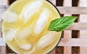 Drink: #FancyDrinkFriday – Mango PineappleSpritzer