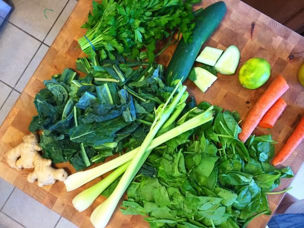 super-green-juice-veggies