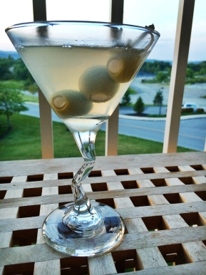 Drink: #FancyDrinkFriday – Classic Dirty Martini