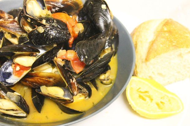 mussels-white-wine-broth